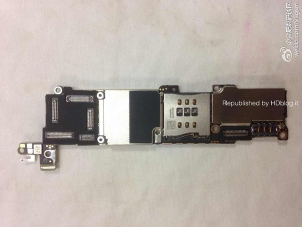 iPhone 5C - Placa Base - 1