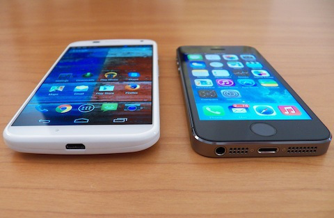 moto-x-and-iphone-5s